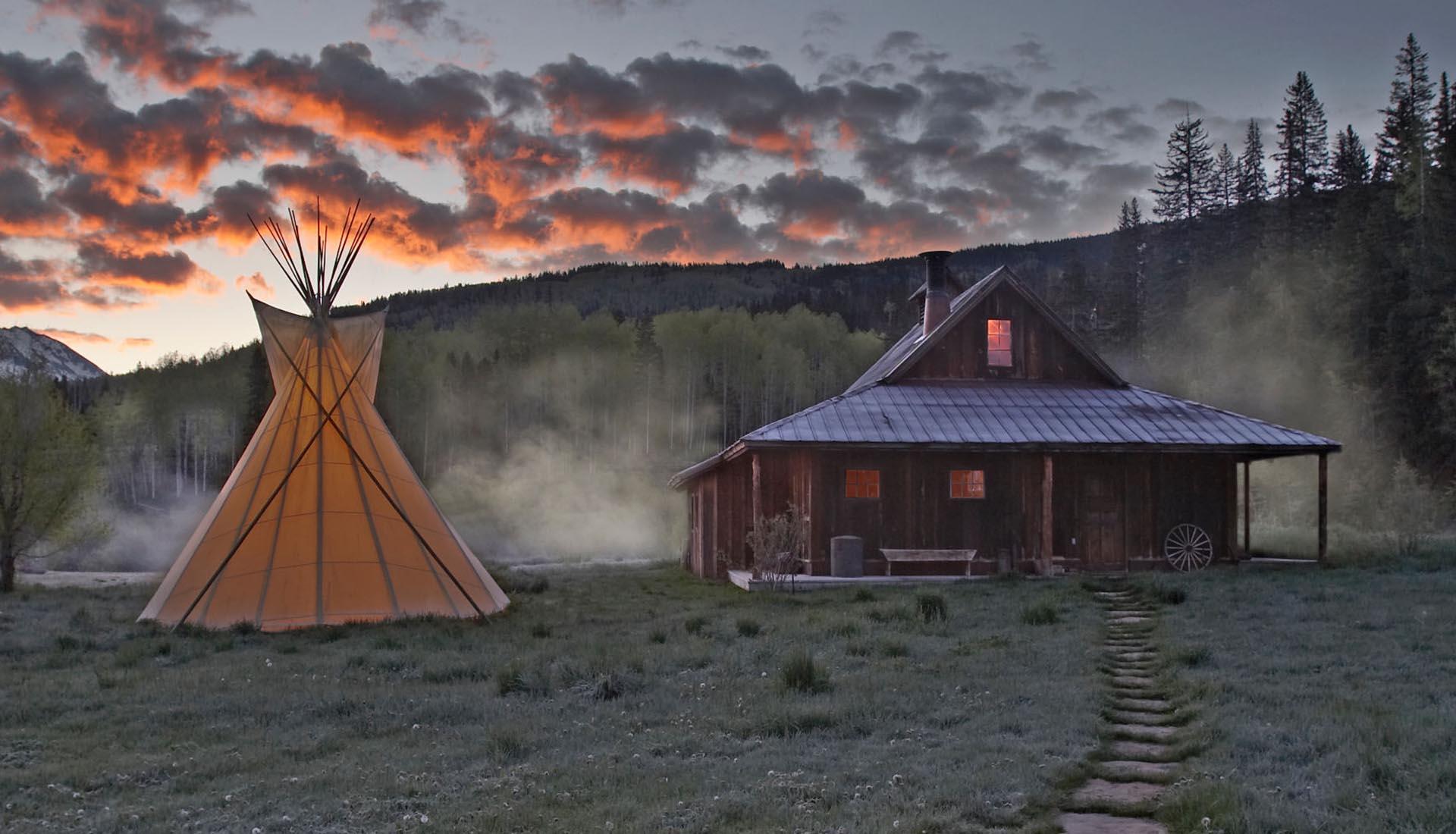 Pueblo fantasma en las Montañas Rocosas