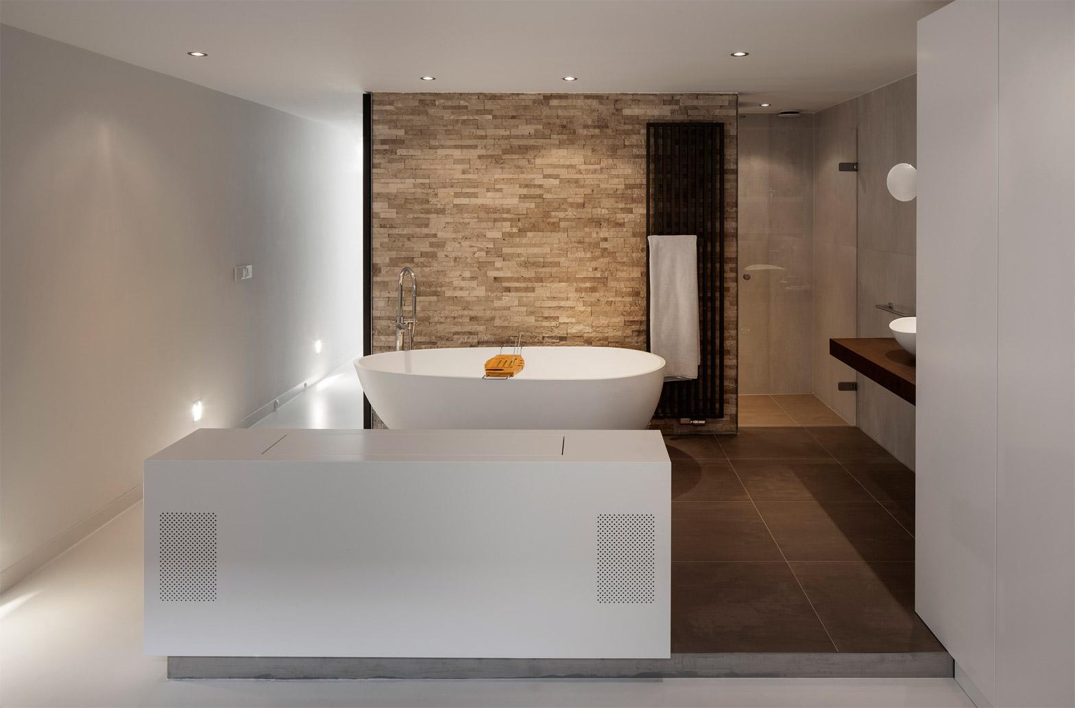 Baño de diseño de la casa