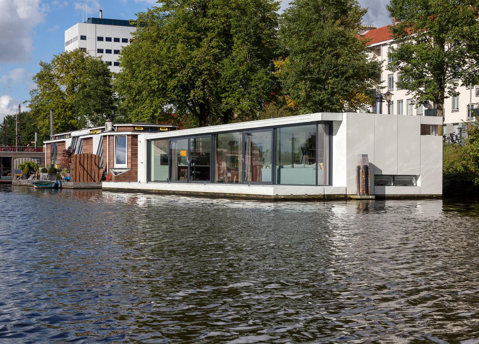 La casa que flota en el río