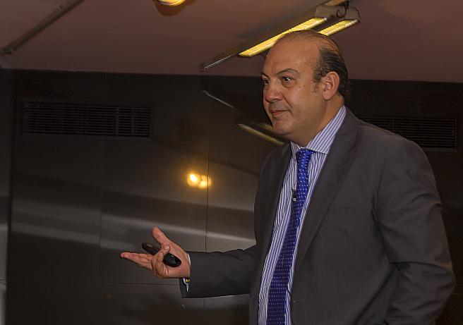 Ignacio Castillo, director de la escuela de negocios y miembro fundador de AEFI