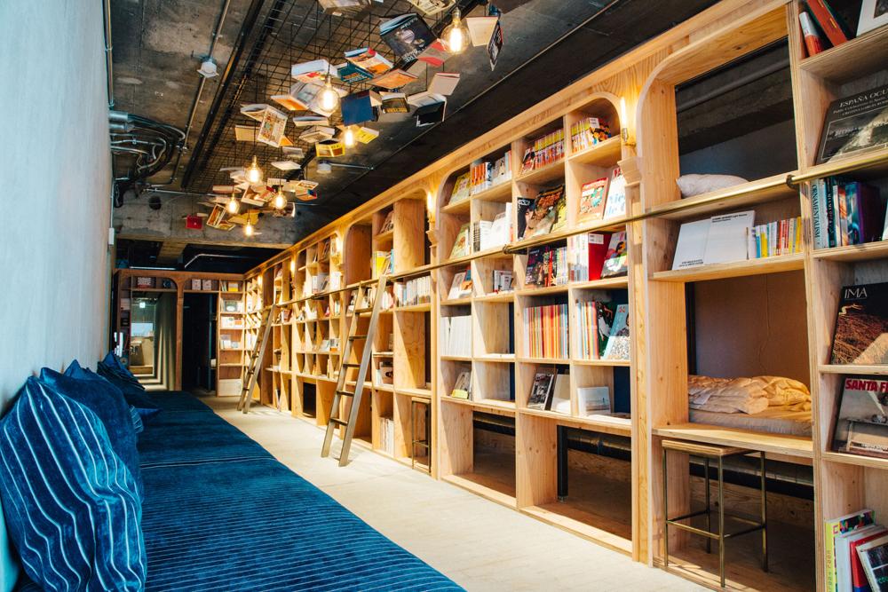 Hoteles con encanto: así es el 'bibliotel', el lugar perfecto para disfrutar de un buen libro en la cama