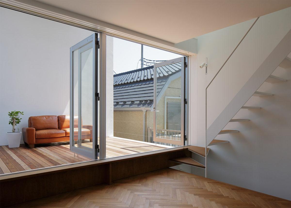 Baño Invisible Japon:Casas de ensueño: una vivienda de estilo minimalista con una terraza