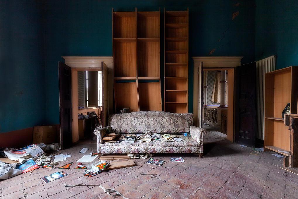 Interior de casa abandonada