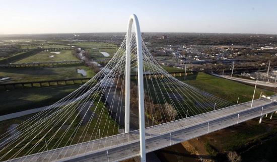 Puente de Margaret Hunt-Hill en Dallas