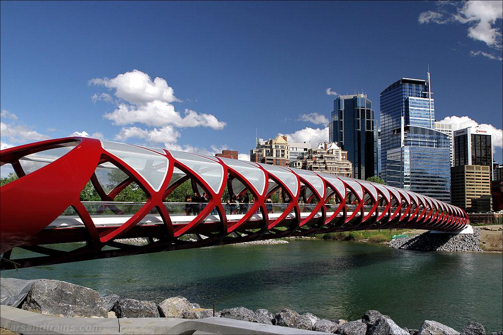 Puente de la Paz, Calgary