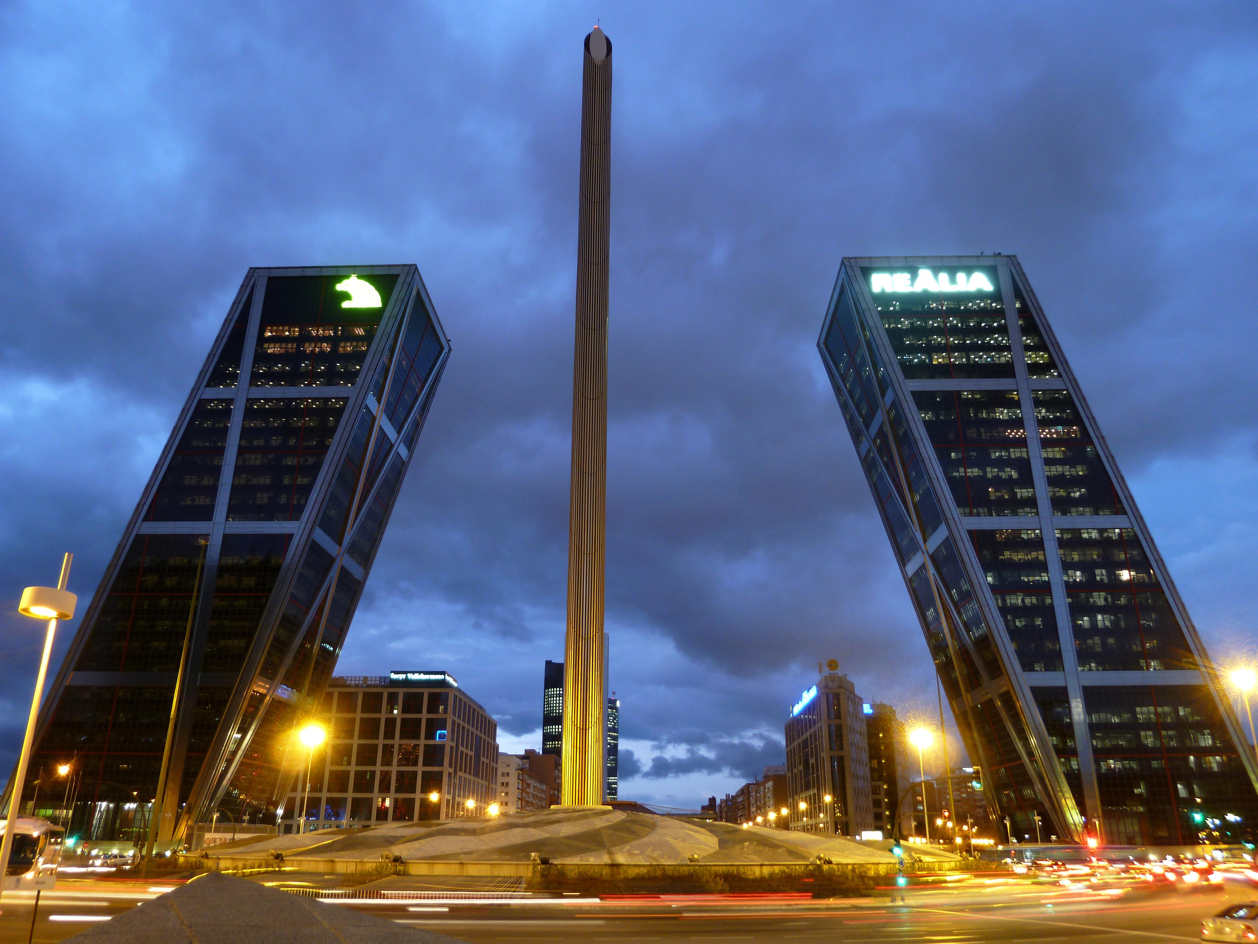 Obelisco de Plaza de Castilla, Madrid