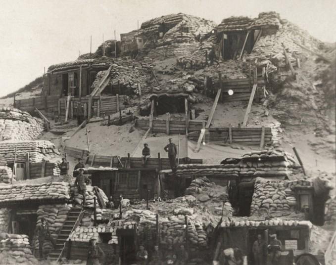 'Hogar, bombardeado hogar': las improvisadas casas de los soldados en el frente durante la I GM