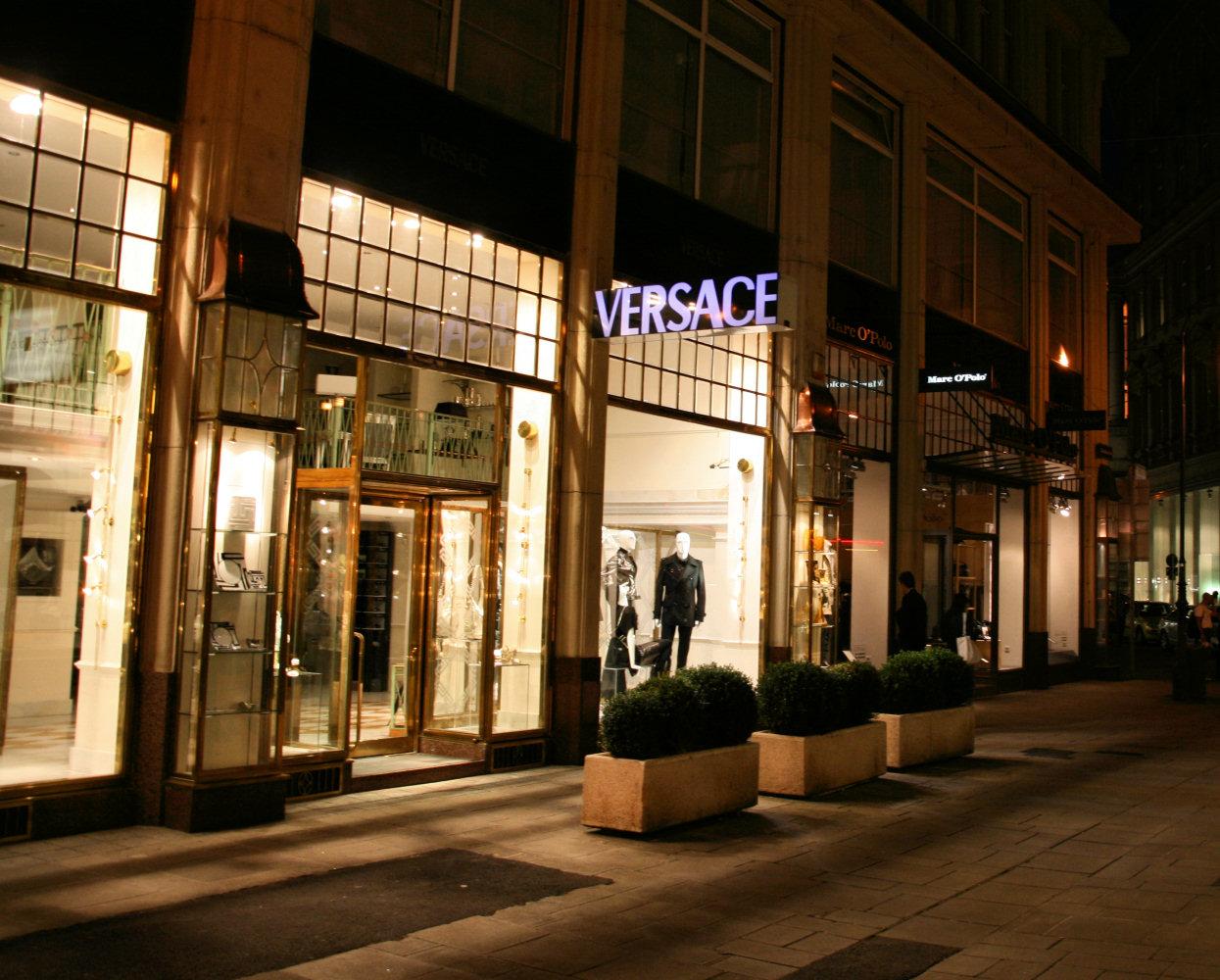 Via Montenapoleone, zona comercial de lujo de Milán