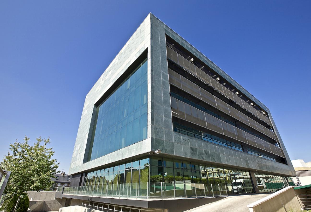 Edificio en calle Juan Ignacio Luca de Tena de Madrid, propiedad de Axiare