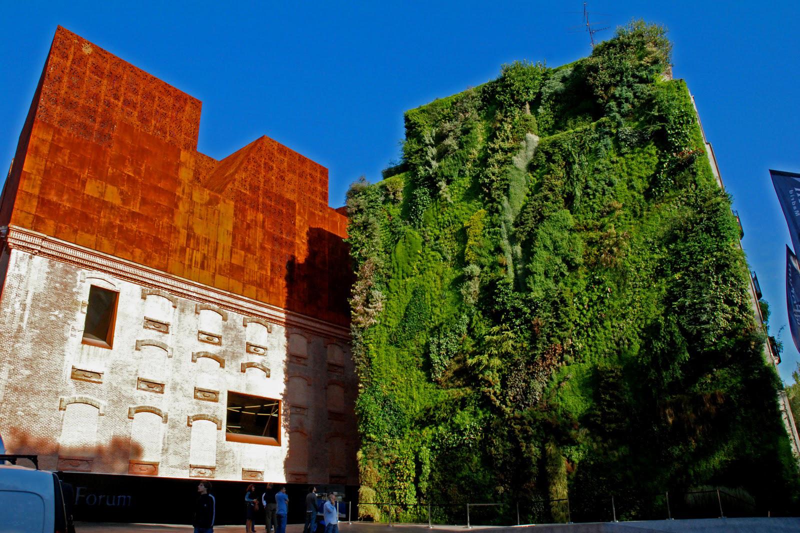El jardín vertical del CaixaForum de Madrid