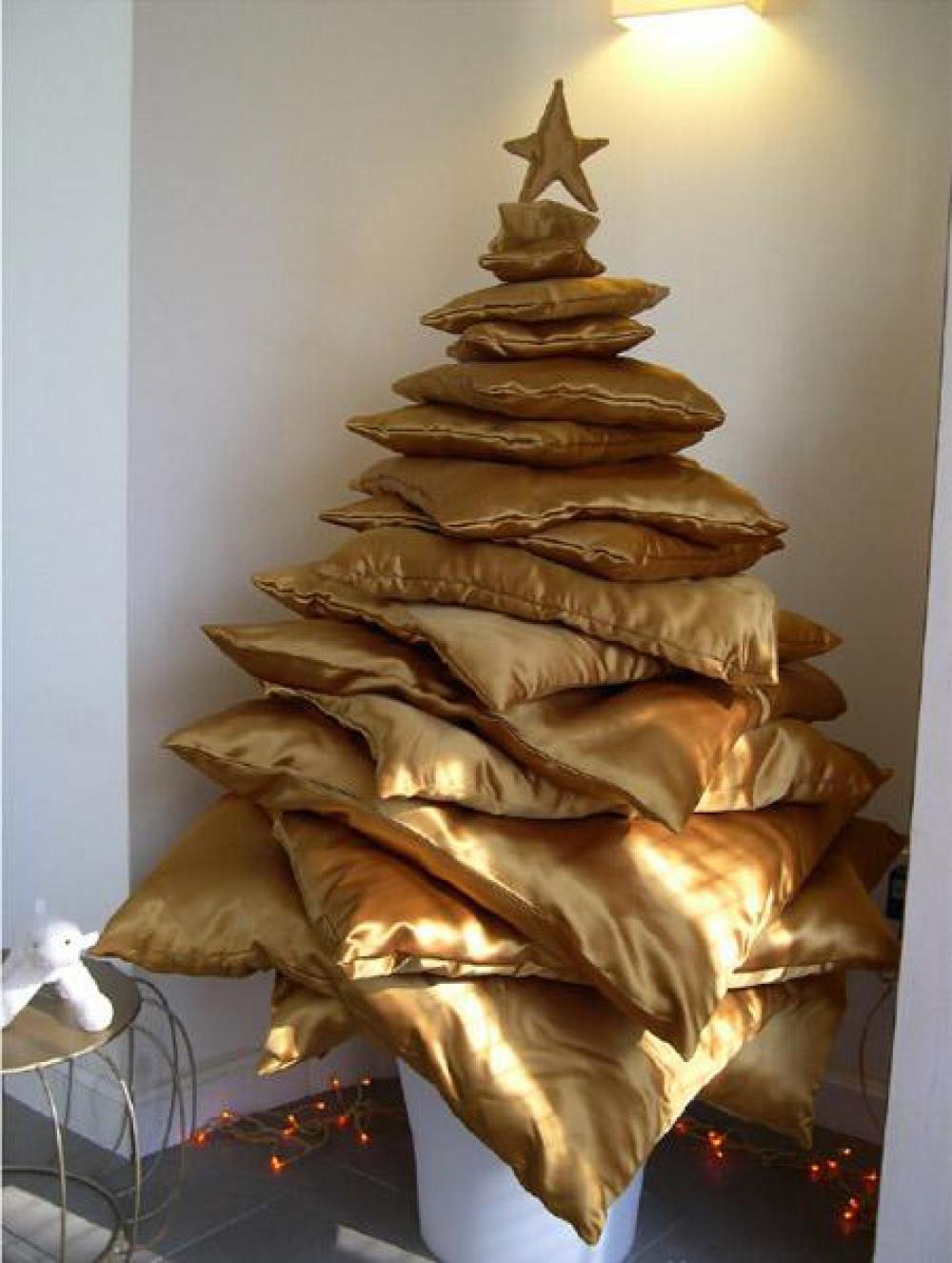 Cómo hacer un árbol de Navidad con cojines
