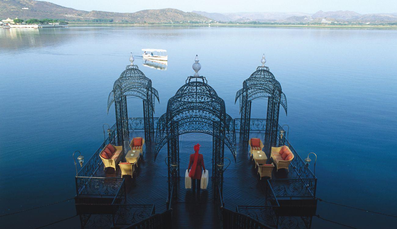 El hotel flotante en India