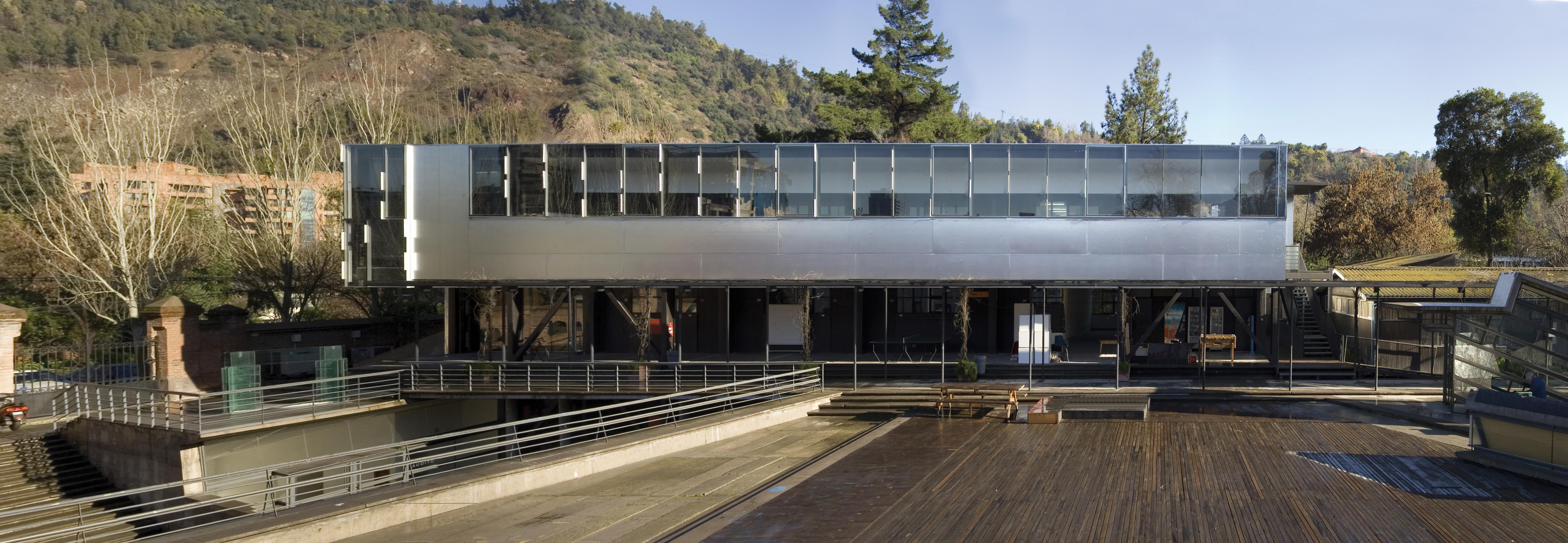 Las obras m s famosas de alejandro aravena el arquitecto for Universidades para arquitectura
