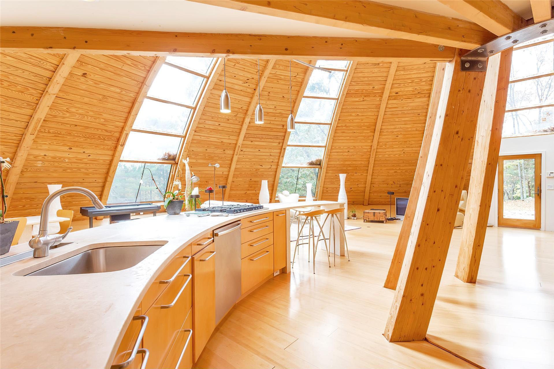 Casas de ensueño: una vivienda ecológica de lujo con forma de platillo volante
