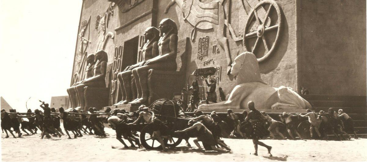 Una réplica a tamaño real de una ciudad egipcia