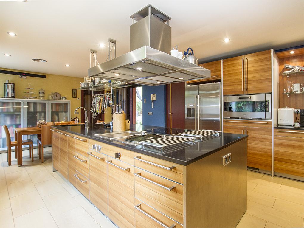 As ha evolucionado la cocina en espa a de pesadilla a centro de ocio familiar idealista news - La cocina madrid ...