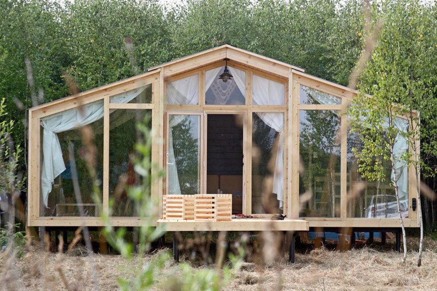 Fachada de una casa prefabricada en madera