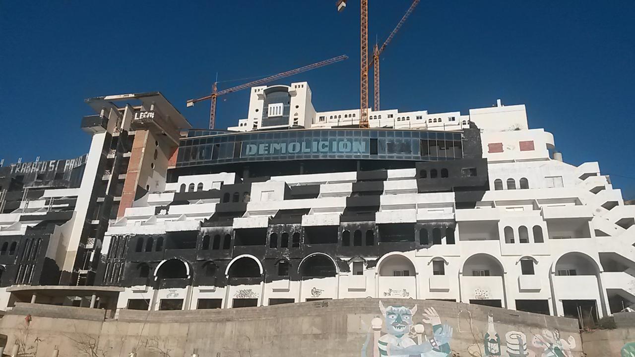 El hotel Algarrobico en Almería