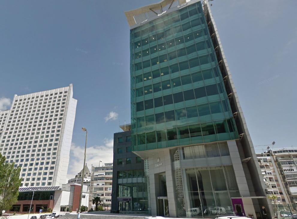 Santander se queda de momento sin la sede central de for Oficinas banco santander las palmas
