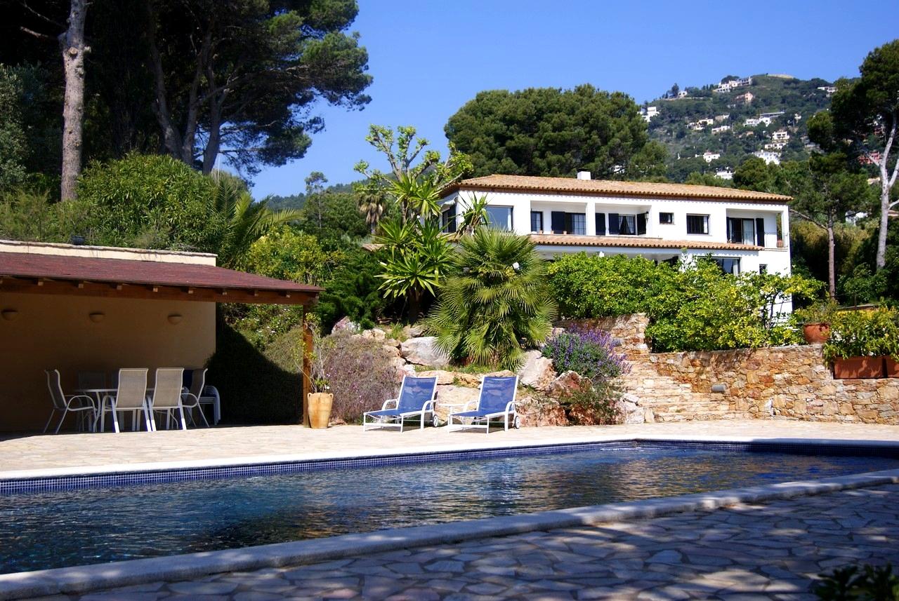 Villa señorial en Fornels (Girona, España) – desde 110 euros por persona y noche