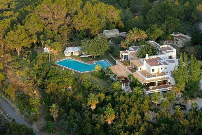 Finca junto al mar (Ibiza, España) – desde 108 euros por persona y noche
