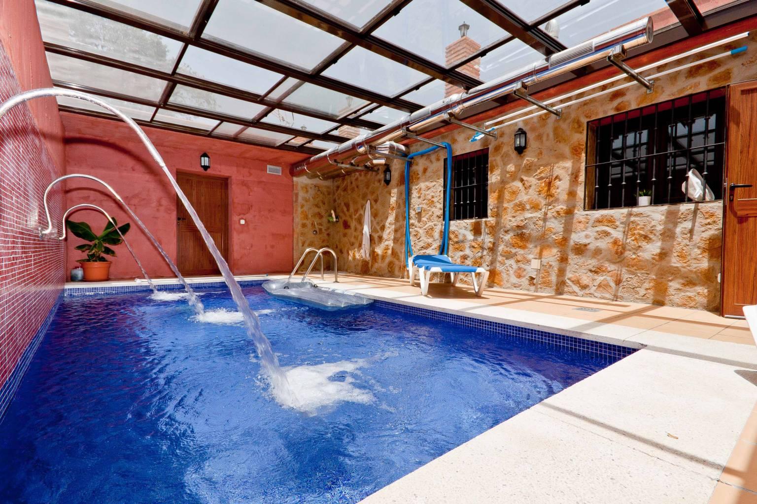 Planes para vacaciones de invierno las mejores escapadas for Casa rural piscina climatizada interior