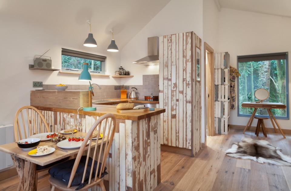 Interior de la casa de madera en Inglaterra
