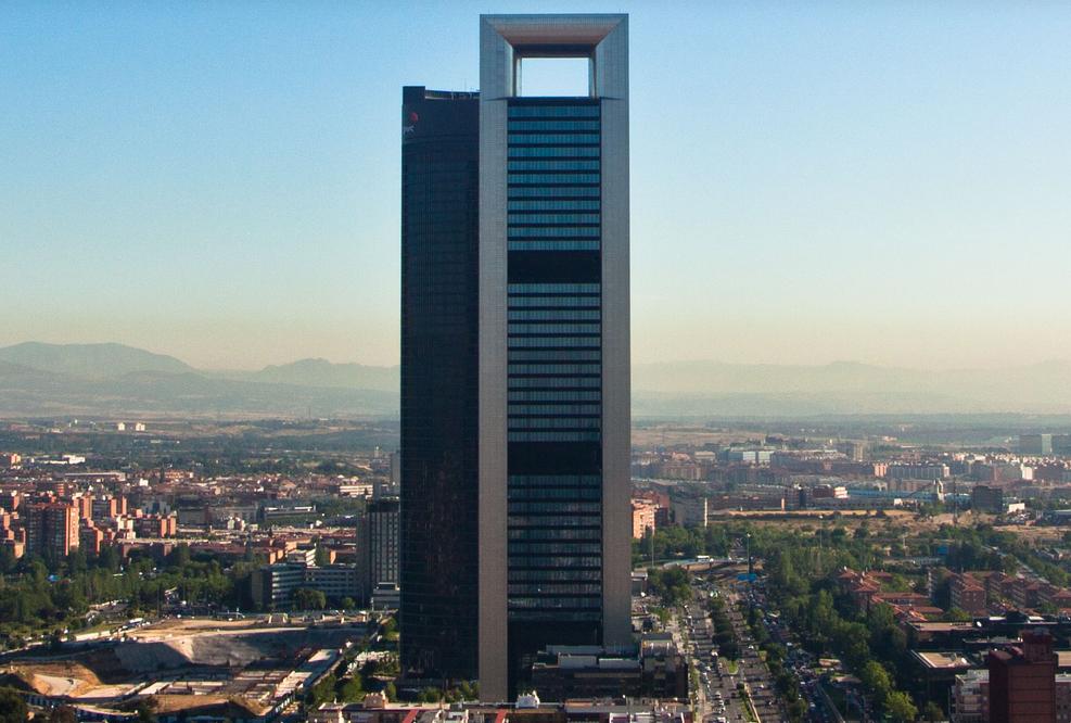 La Torre Foster uno de los cuatro rascacielos de Madrid