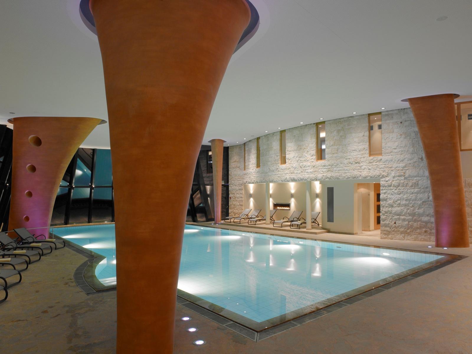 Hotel con piscina en los Alpes Suizos