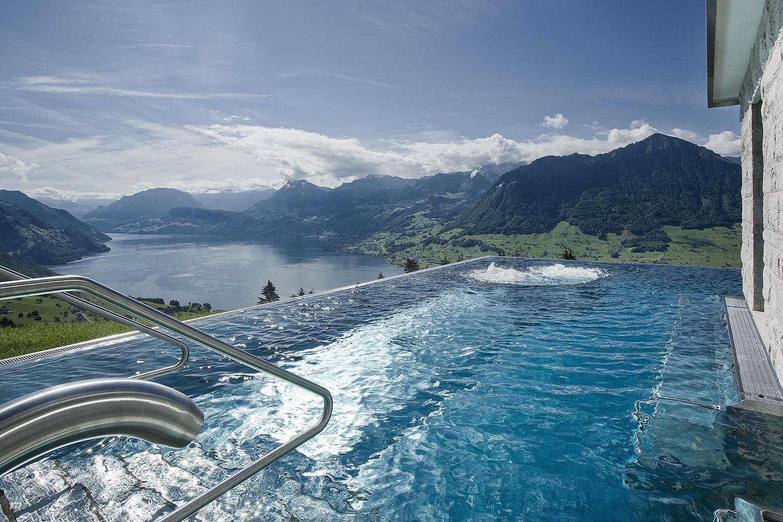 Hoteles con encanto la piscina con las mejores vistas del for Hoteles en portonovo con piscina