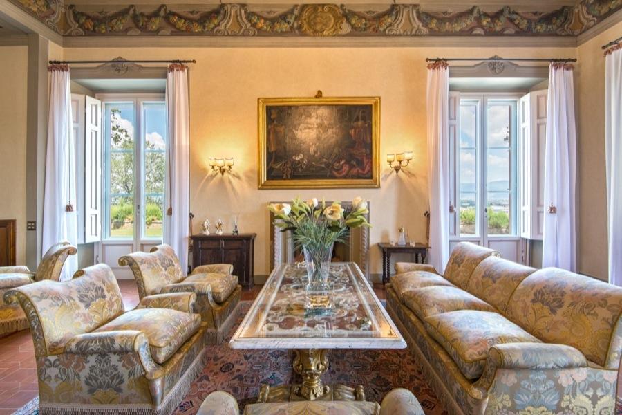 La mansi n en la que vivi la mona lisa a la venta for Ville interni di lusso