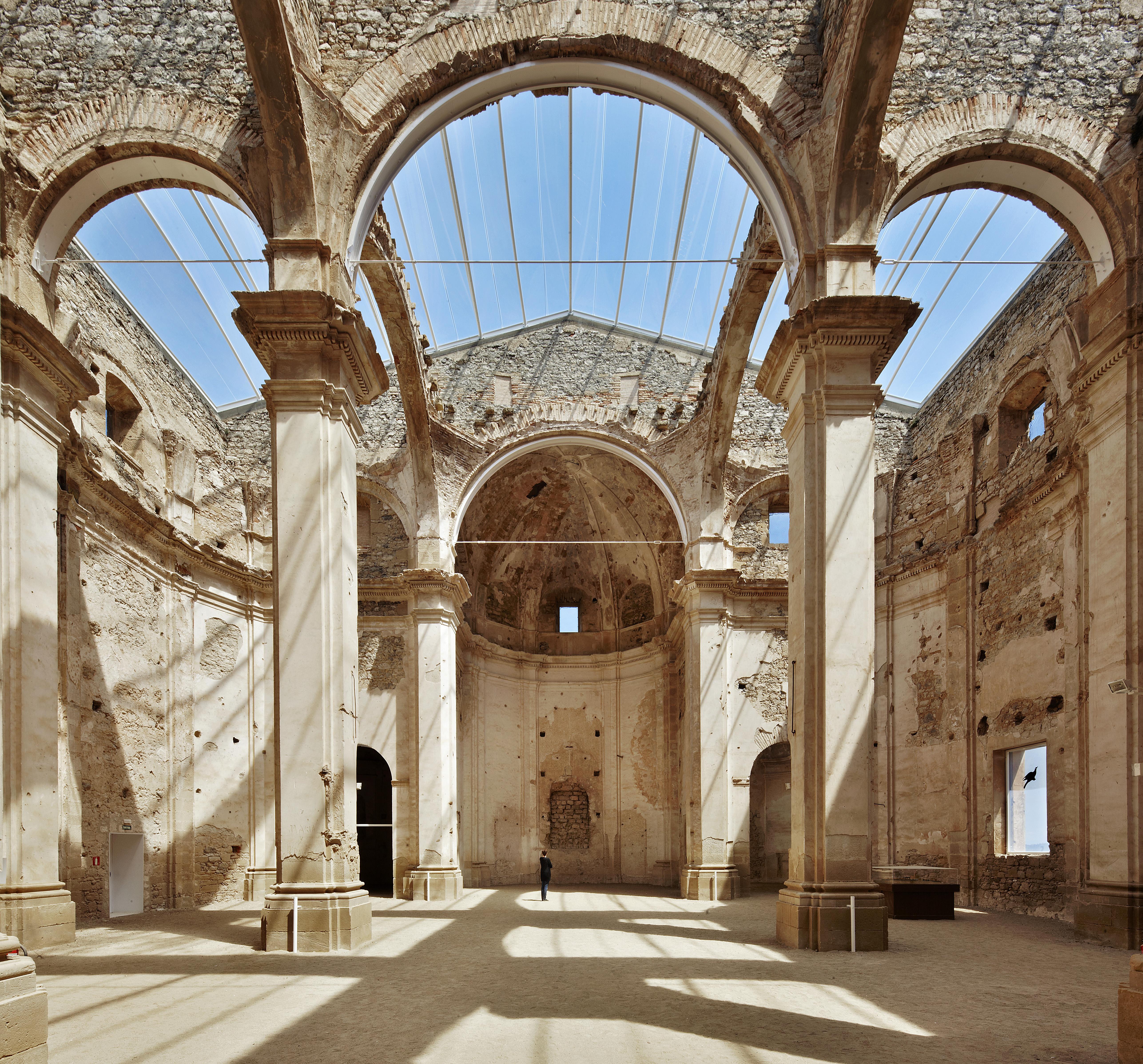 Rehabilitación iglesia de Corbera D'Ebre. Ferrán Vizoso,  Núria Bordas, Jordi Garriga, David García