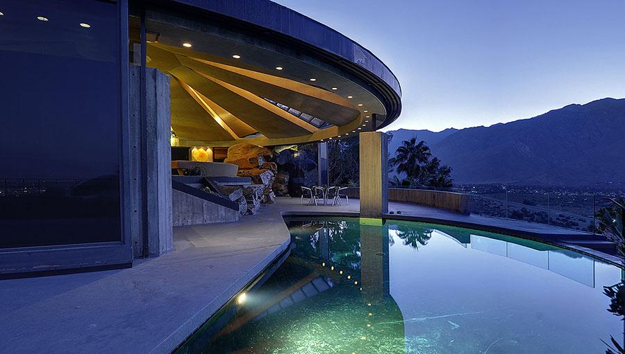 James Bond, de rebajas: se vende la casa de 'Diamantes para la eternidad' con un descuento del 24%
