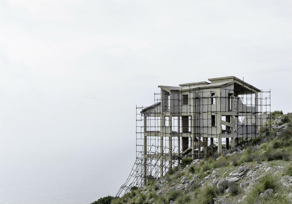 Cómo la crisis ha convertido los edificios a medio construir en un nuevo estilo arquitectónico