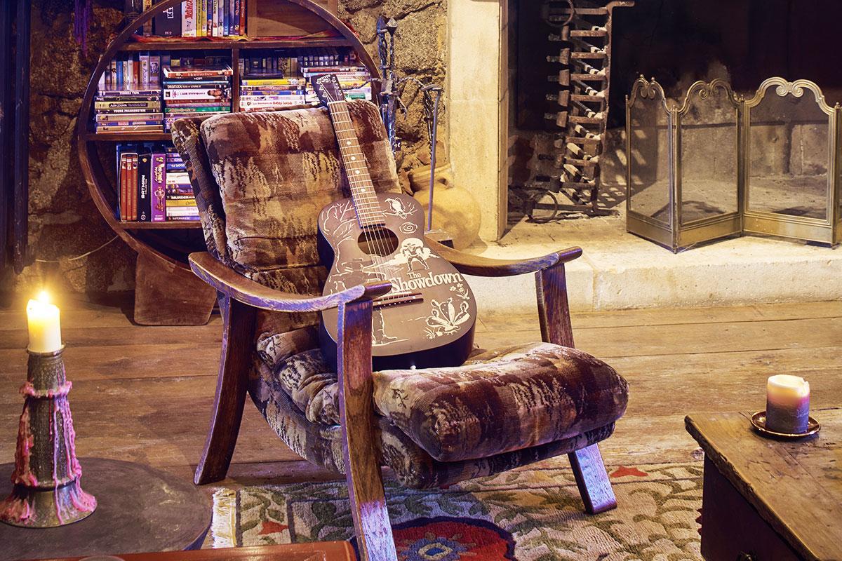 johnny depp vende su pueblo franc s por 50 millones el doble de lo que ped a hace un a o. Black Bedroom Furniture Sets. Home Design Ideas