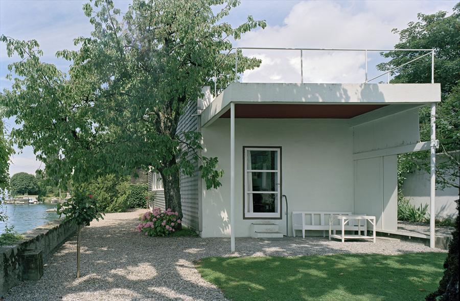 Petite maison au bord du lac Léman, Corseaux, Switzerland @FLC/ADAGP