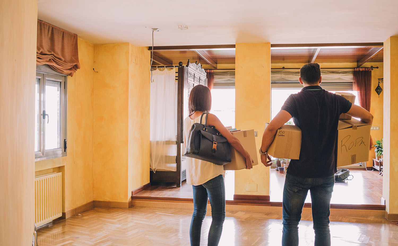 Resultado de imagen para foto de personas que compran casas