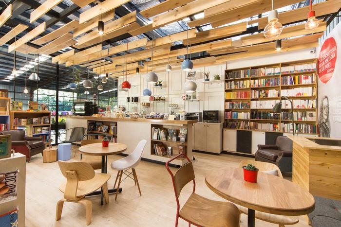 9 3/4 Bookstore + Café (Envigado, Colombia)