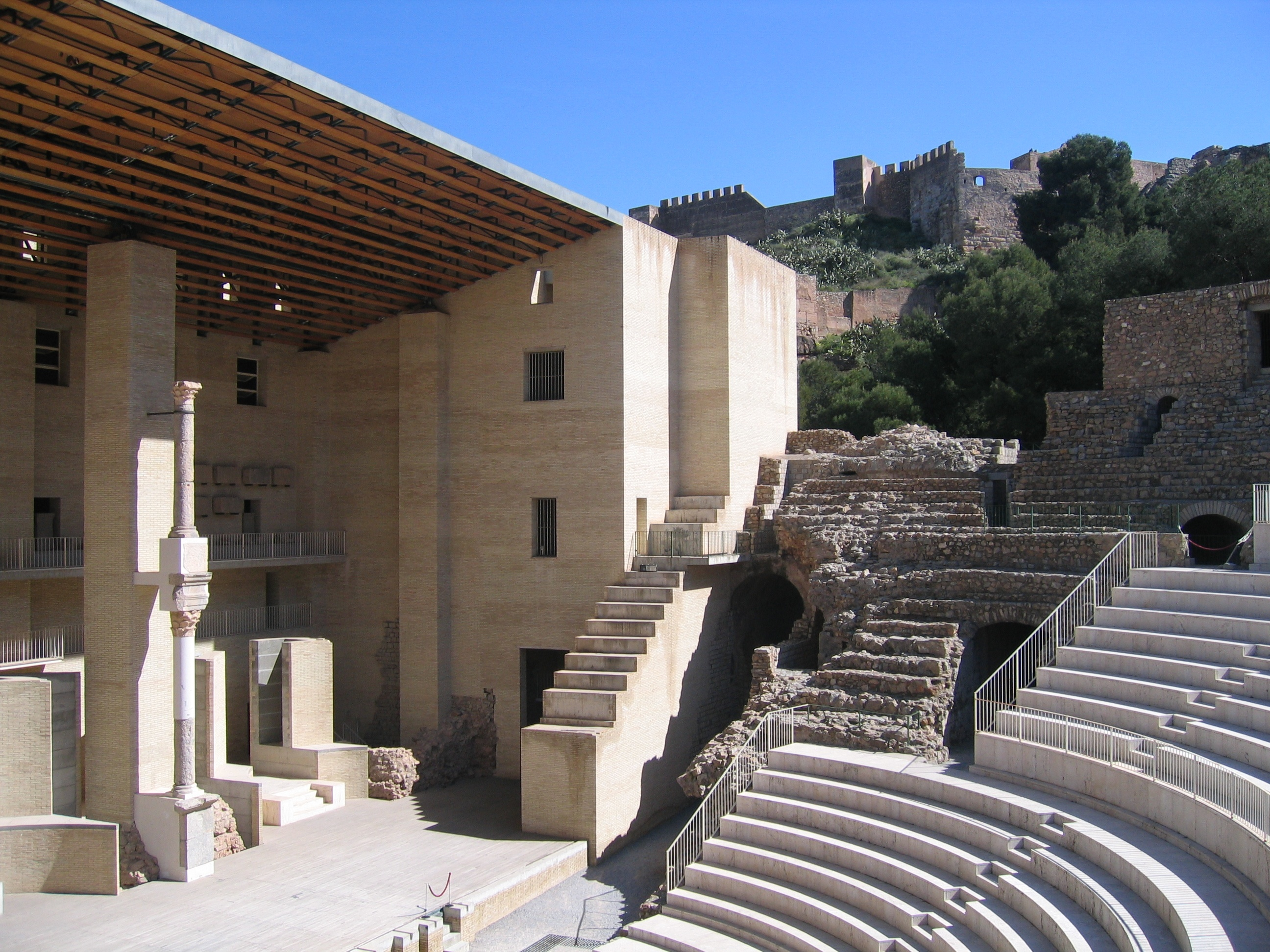 Destinos para disfrutar del turismo teatral idealista news - Casas en sagunto ...
