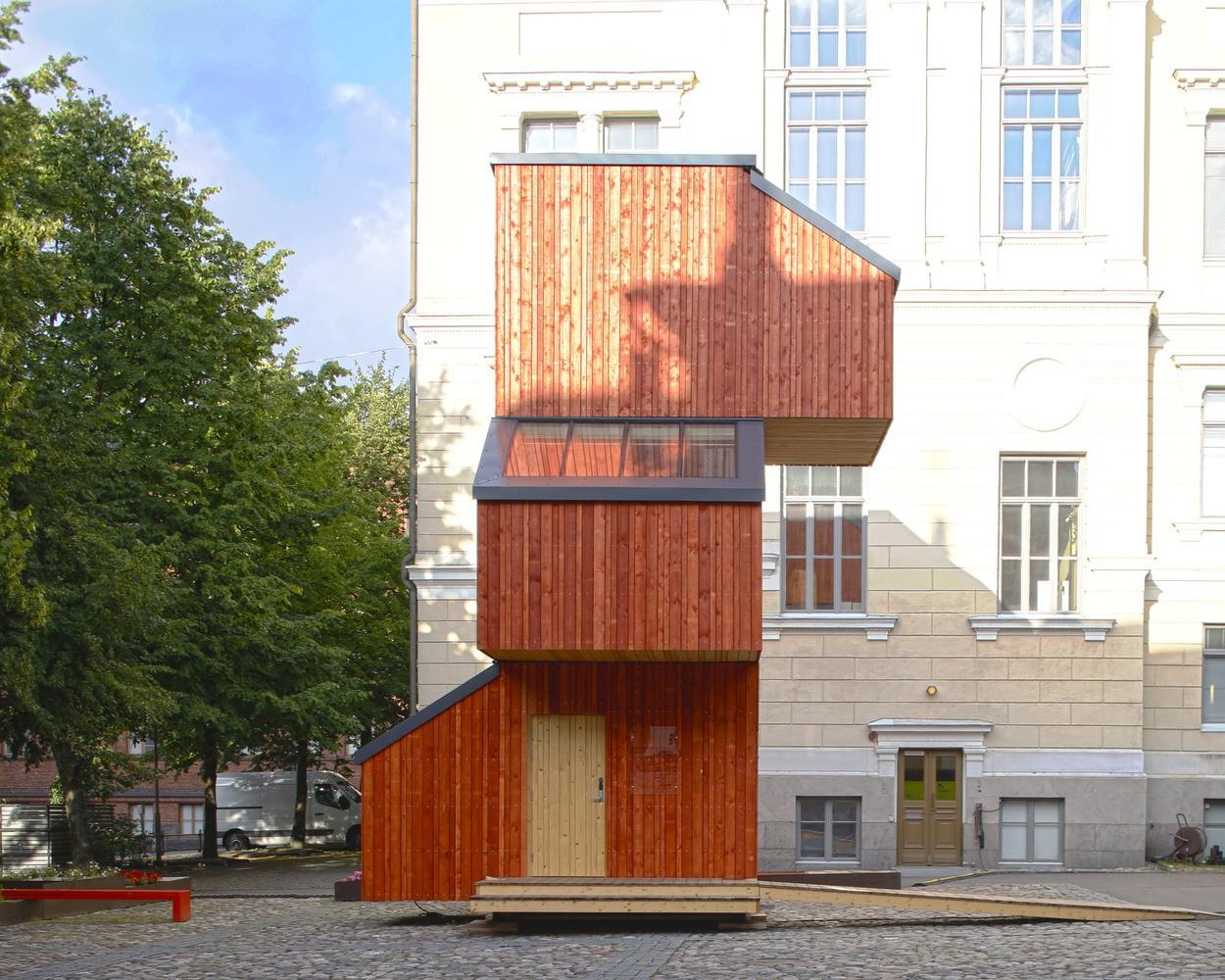 Vista general de la casa de madera