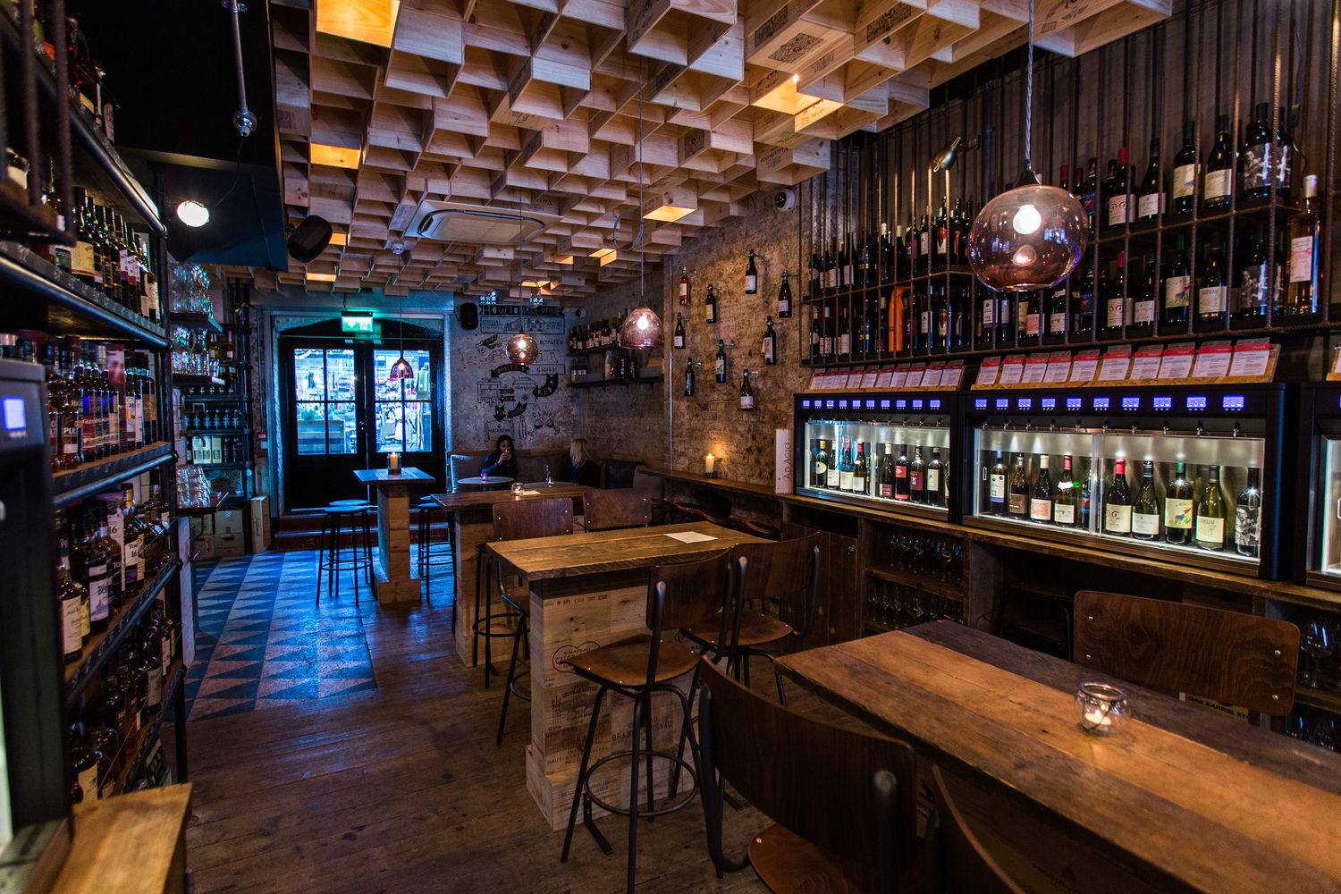 Mejor Bar del Reino Unido: Vagabond Wines (Spitalfields, Londres, RU) / Finch Interiors