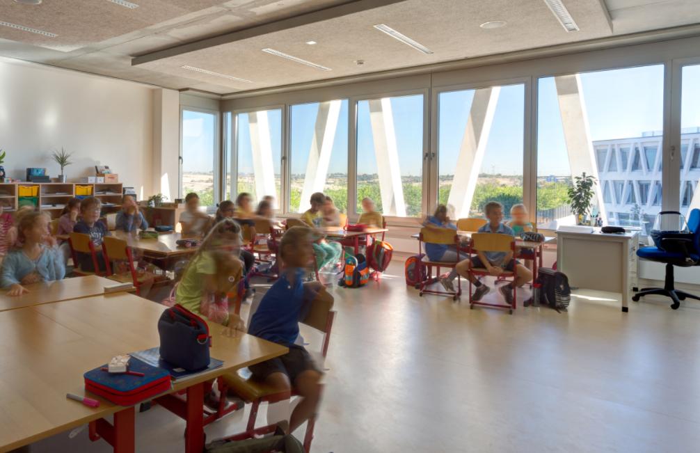 As es el centro educativo m s bonito de espa a y el mundo for Oficinas del inss en madrid capital