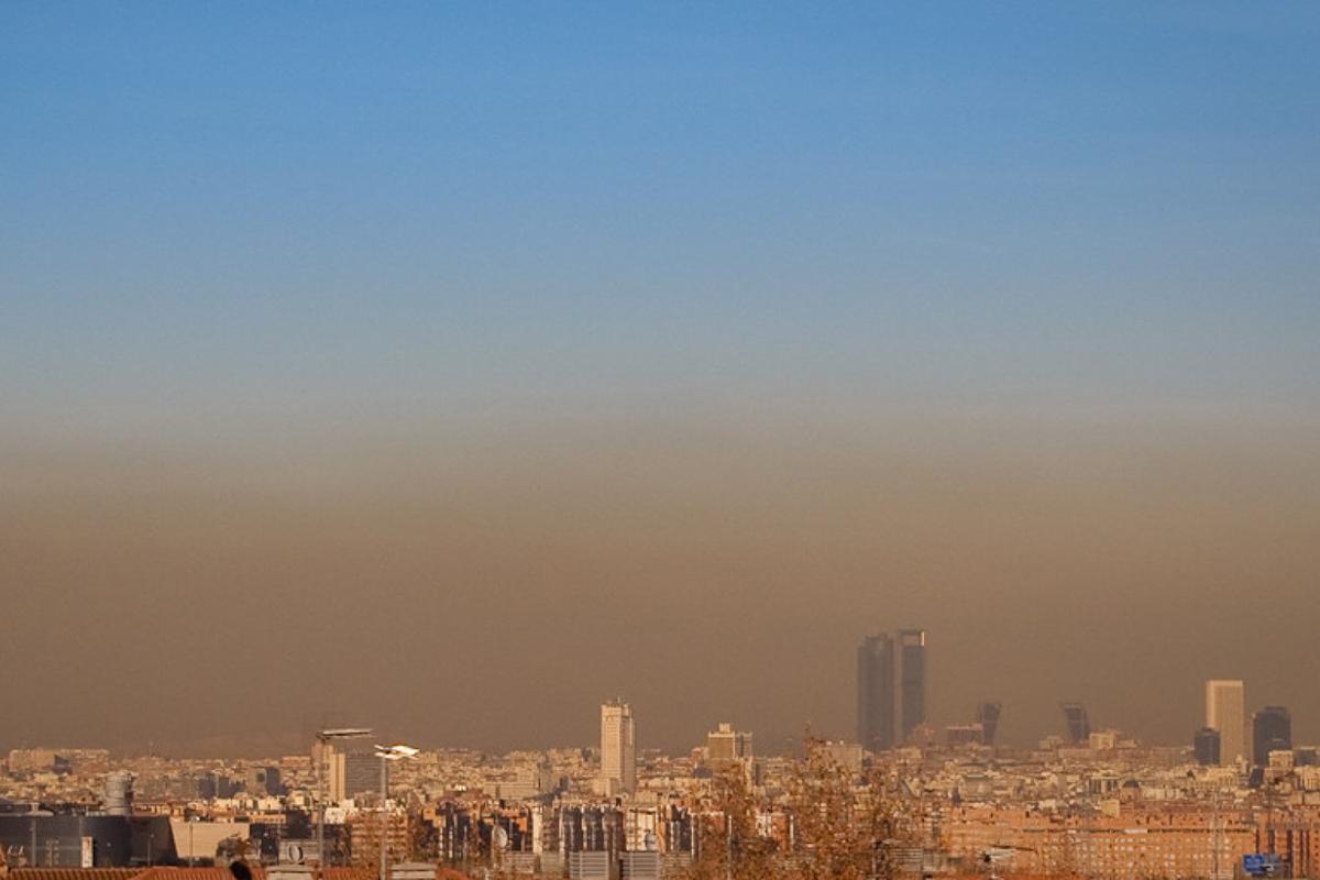 La ciudad de Madrid con su típica 'boina' / eltiempo.es