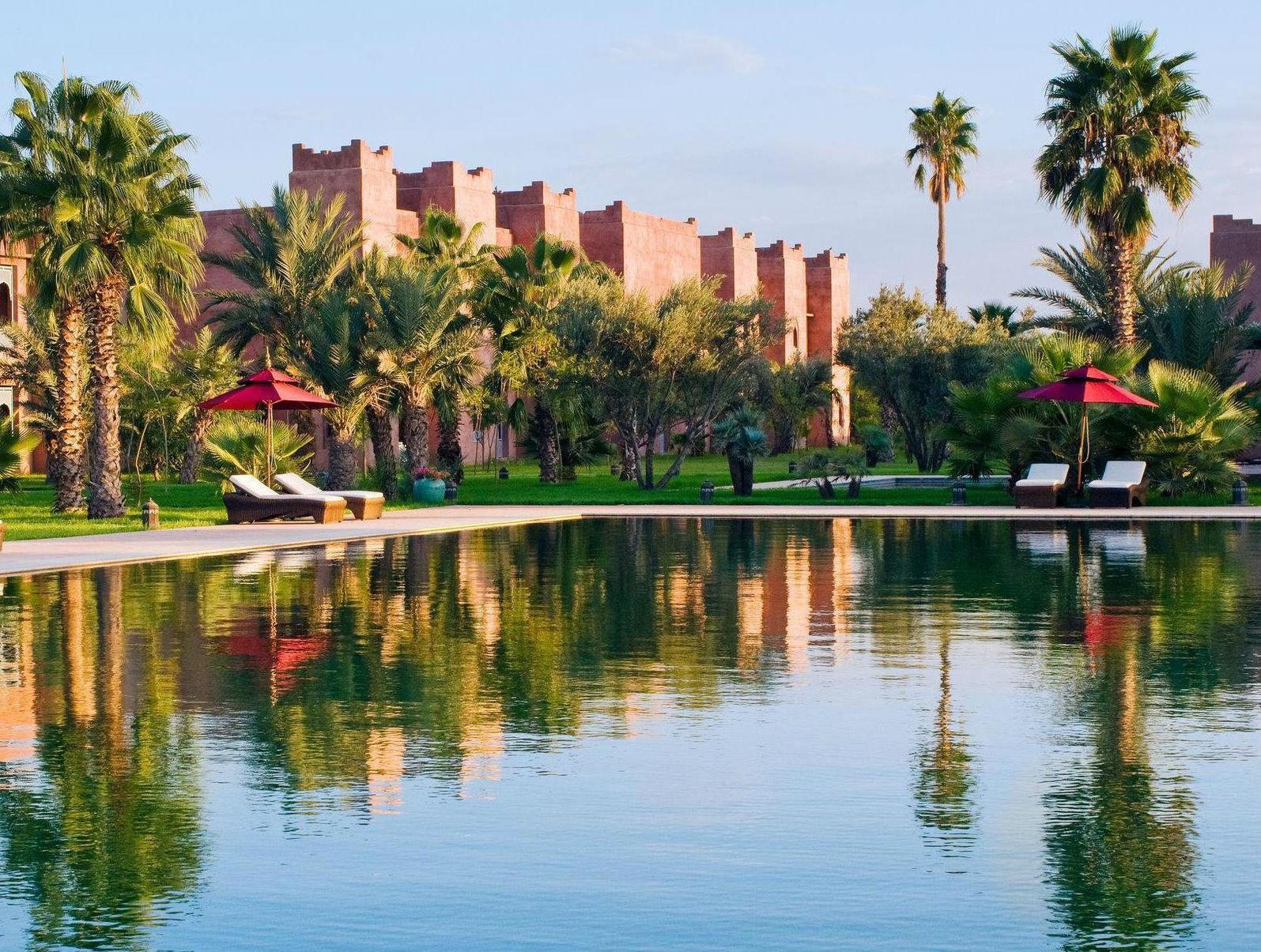 Hoteles con encanto un palacio de fantas a entre el cielo for Hoteles con encanto y piscina