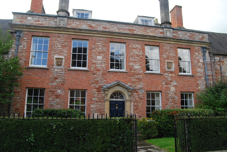 Shrewsbury House, Vicars' Close, Wells, Somerset (UK) / Wikimedia commons