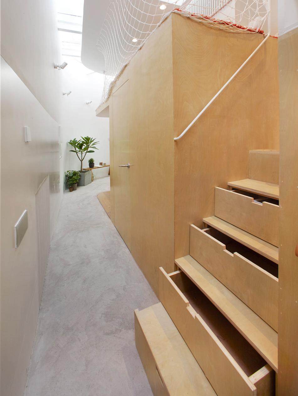 Cajones en las escaleras