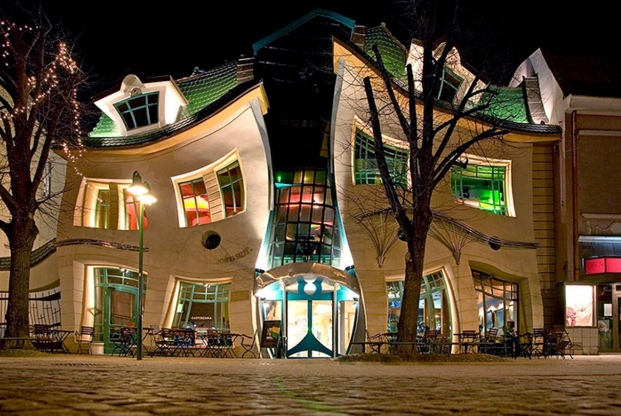 The Crooked House, Reino Unido