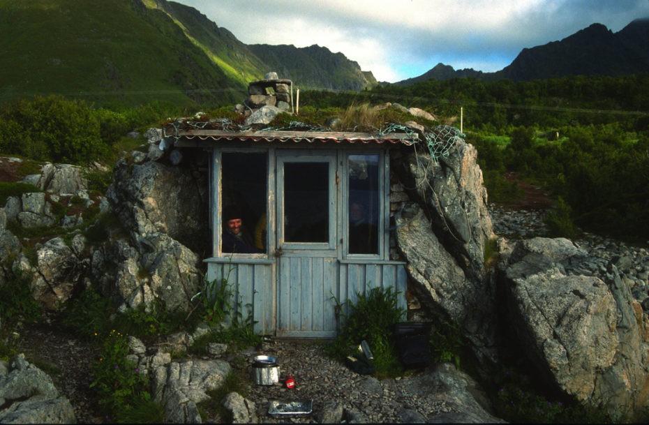 El misterio de la 'casa-cueva' más viral de internet