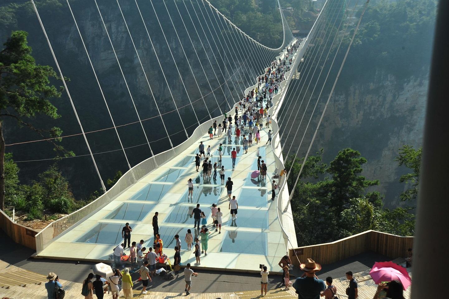 El puente de cristal más largo