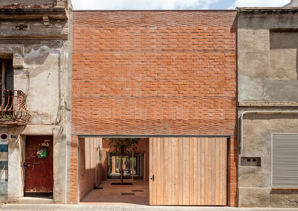 Casa 1014 en Granollers, España / HARQUITECTES. @Harquitectures